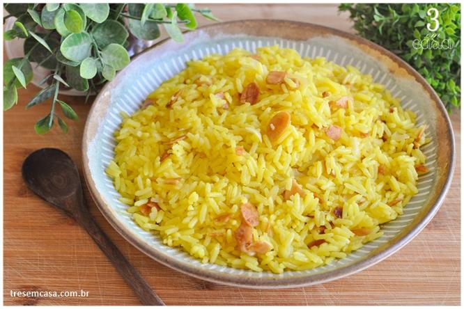 arroz de açafrão com amêndoa