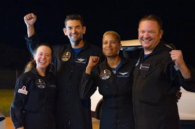 نجاح مهمة إنسبيريشن فور Inspiration4 لشركة سبيس إكس و التي أقلت 4 سياح إلى الفضاء