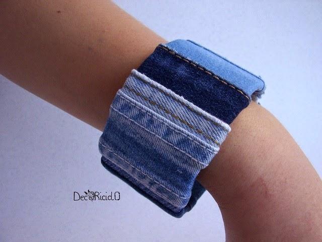 braccialetto fai da te con tubi di cartone e jeans