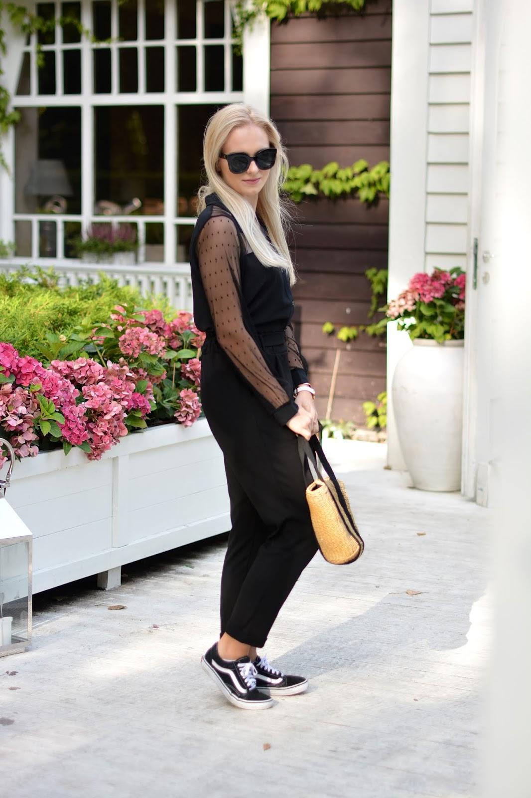 czarna minimalistyczna stylizacja