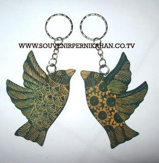 Souvenir Pernikahan Gantungan Kunci Batik Jogjakarta 17
