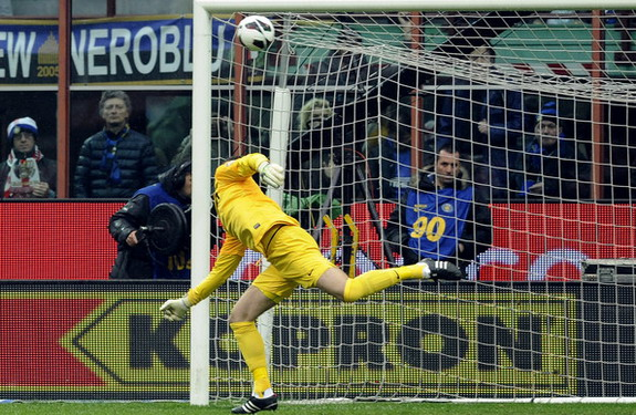 Inter Milan goalkeeper Samir Handanovič is unable to save a goal from Fabio Quagliarella
