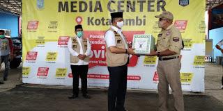 TLCI Salurkan Bantuan via Pemkot Jambi, Fasha : Mudah-mudahan Ditiru oleh Komunitas Lain