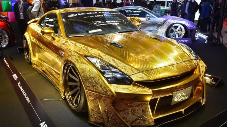 Nissan GT-R folheado a ouro é anunciado por R$ 7 Milhões
