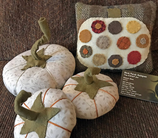 Beautiful Pumpkins by Janice at Prims By The Water