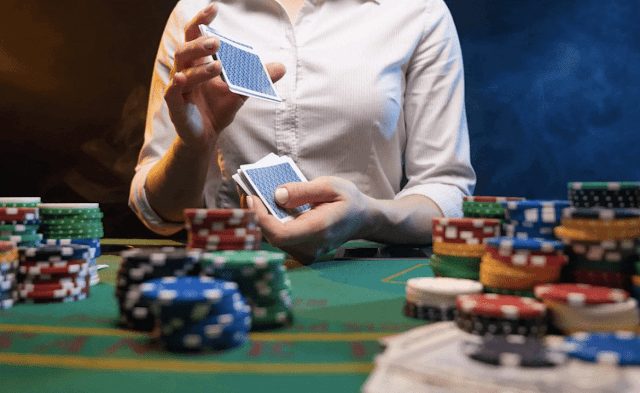 How Casinos Make Money on Poker Rooms, Explained