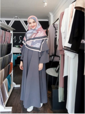 Istiqomah dan Tetap Cantik dengan Pakaian Syar'i, Ini 3 Rahasia Zaskia Sungkar