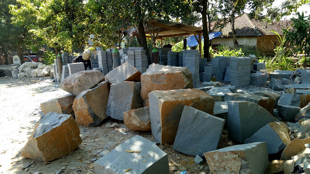 Batu Alam Untuk Menyulap Rumah Sederhana Menjadi Terlihat Mewah