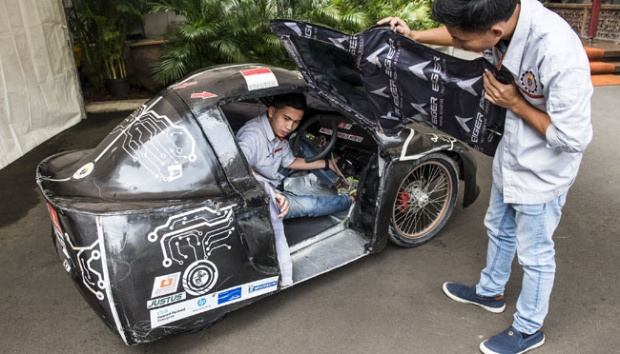 Mobil Hemat BBM Karya Anak Negeri