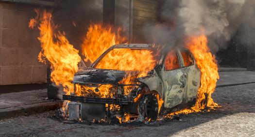 Cara Mencegah Mobil Terbakar