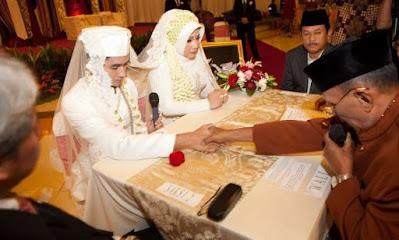 Pantun Pengantin Baru yang Lucu dan Mendidik Sebagai Nasehat Perkawinan
