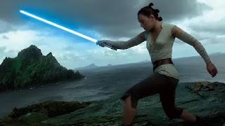 Nonton Film- The Last Jedi Kalahkan Jumanji