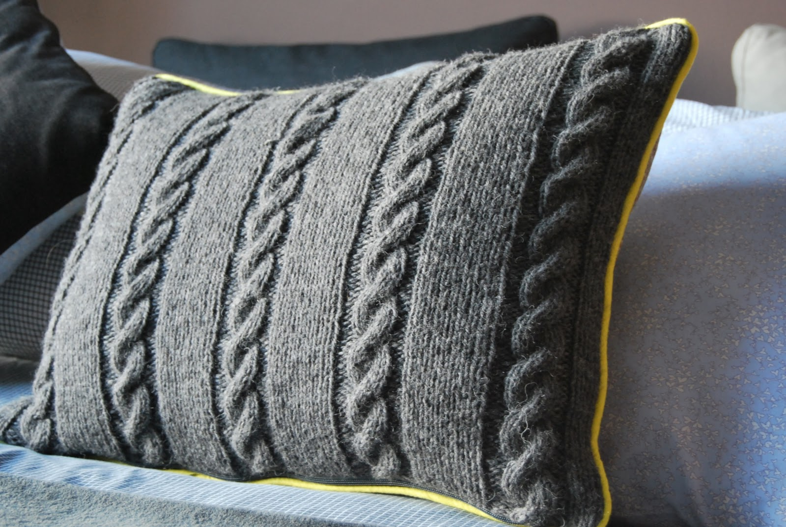 explication coussin tricot