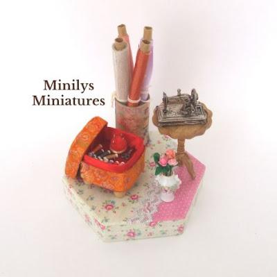 minilys_miniatures, casas_de_muñecas_miniaturas, mercería, taller_de_costura_victoriana, miniaturas_1:12