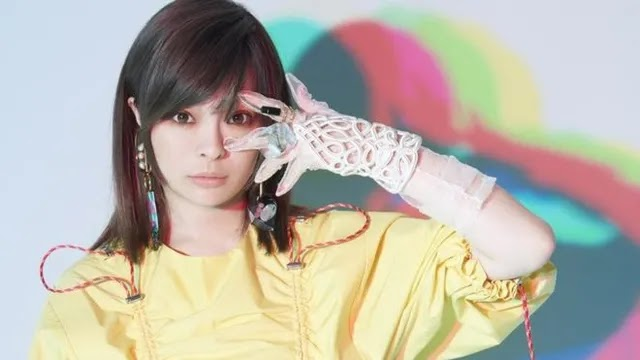Kyary Pamyu Pamyu Tetap Imut dan Cantik Dalam Balutan Kosmetik Korea