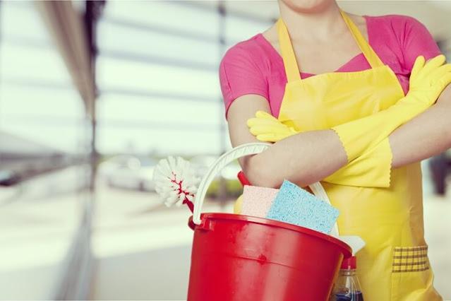 Καθαρίστρια αναζητά εργασία σε ενοικιαζόμενα δωμάτια