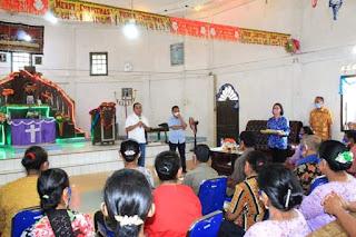 Sambut Nataru, Bupati Berikan Tali Kasih Kepada 700 KK Di Kecamatan Sirandorung