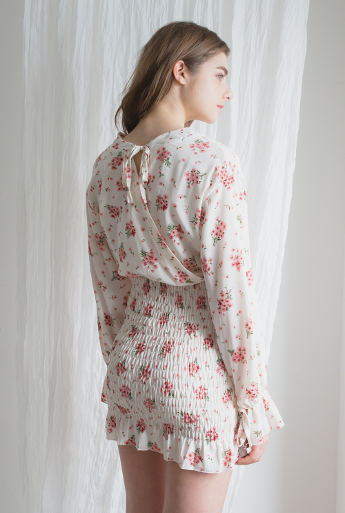 Romantic Muse Shirred Smock Floral Dress