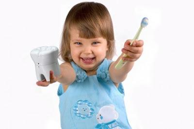 Nên biết các giai đoạn mọc răng của trẻ