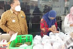 Kecamatan Randuagung Salurkan Bantuan untuk Warga Isoman