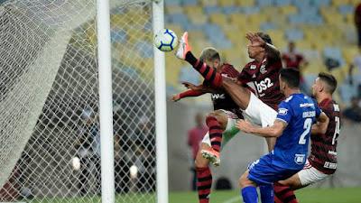 Bruno Henrique marca o primeiro gol do Flamengo (Foto: André Durão/GloboEsporte.com)