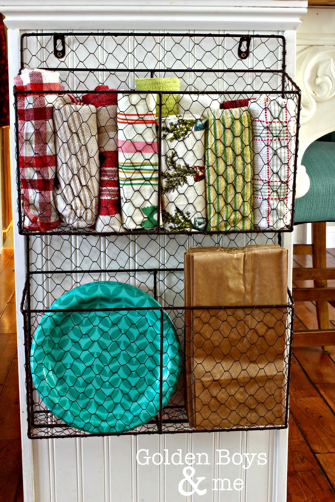 home-hacks-wire-basket-organisation