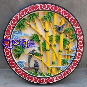 Relief bambu dan paduan burung batu alam putih