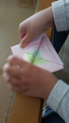 Paso 6 barquito de papel