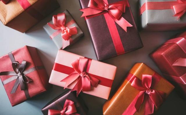 10 Ide Untuk Hadiah Ulang Tahun Orang Tua
