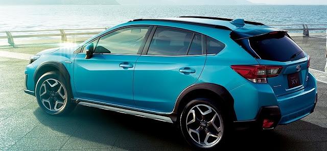 ブルー系の色のXV hybrid