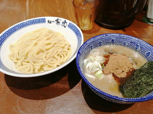 福岡市天神のつけ麺・ラーメン専門店 麺や兼虎濃厚つけ麺