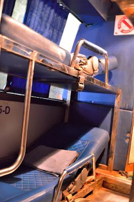 sleeping bus coach siem reap to phnom penh cambodia midnight bus coach bed