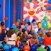 """Colores bem mais perto do que imaginávamos! J Balvin divulga data de novo álbum e o promove para crianças, """"As crianças são o futuro""""!"""