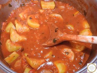 Mancare de dovlecei taraneasca reteta de casa cu dovlecel zucchini ceapa rosii ardei retete culinare mancaruri cu legume de post tocana tocanita sos,