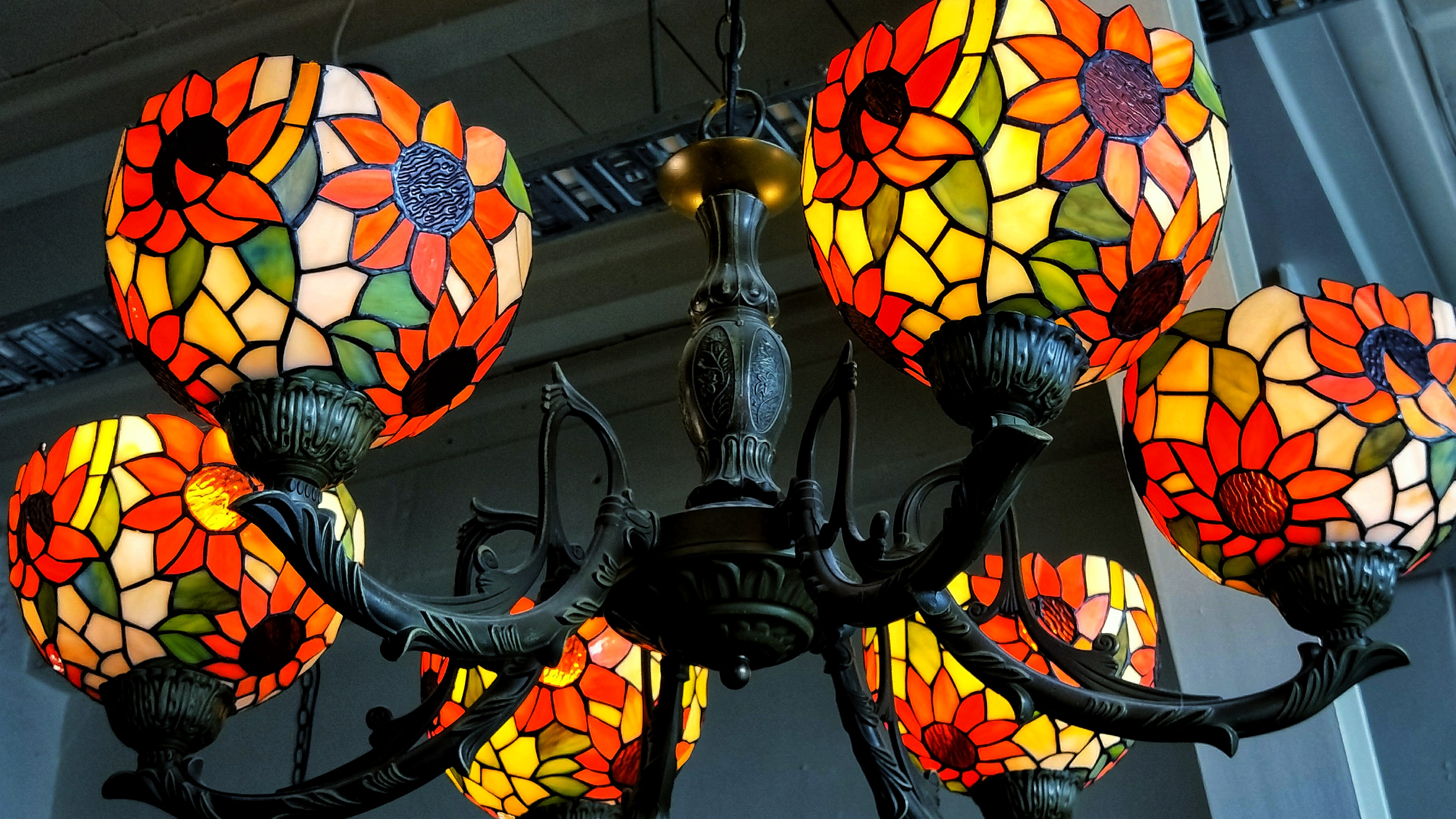 Colourful light chandelier