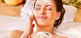 أهمية الأرز المطحون  وفوائده الصحية للبشرة وأهم الوصفات التي يمكن أن يستفيد منها الوجه
