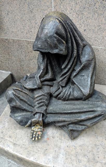 Безпритульний Ісус, Нью-Йорк (Homeless Jesus, New York)