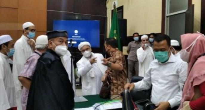Dipolisikan, HRS Kecewa Restui Habib yang Dukung Bima Arya saat Pilkada