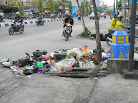 Sampah Masih Berserakan!! Sudah Gak Jaman Lagi, Mari Sediakan Kantong Sampah Agar Lingkungan Lebih Terlihat Bersih & Sehat