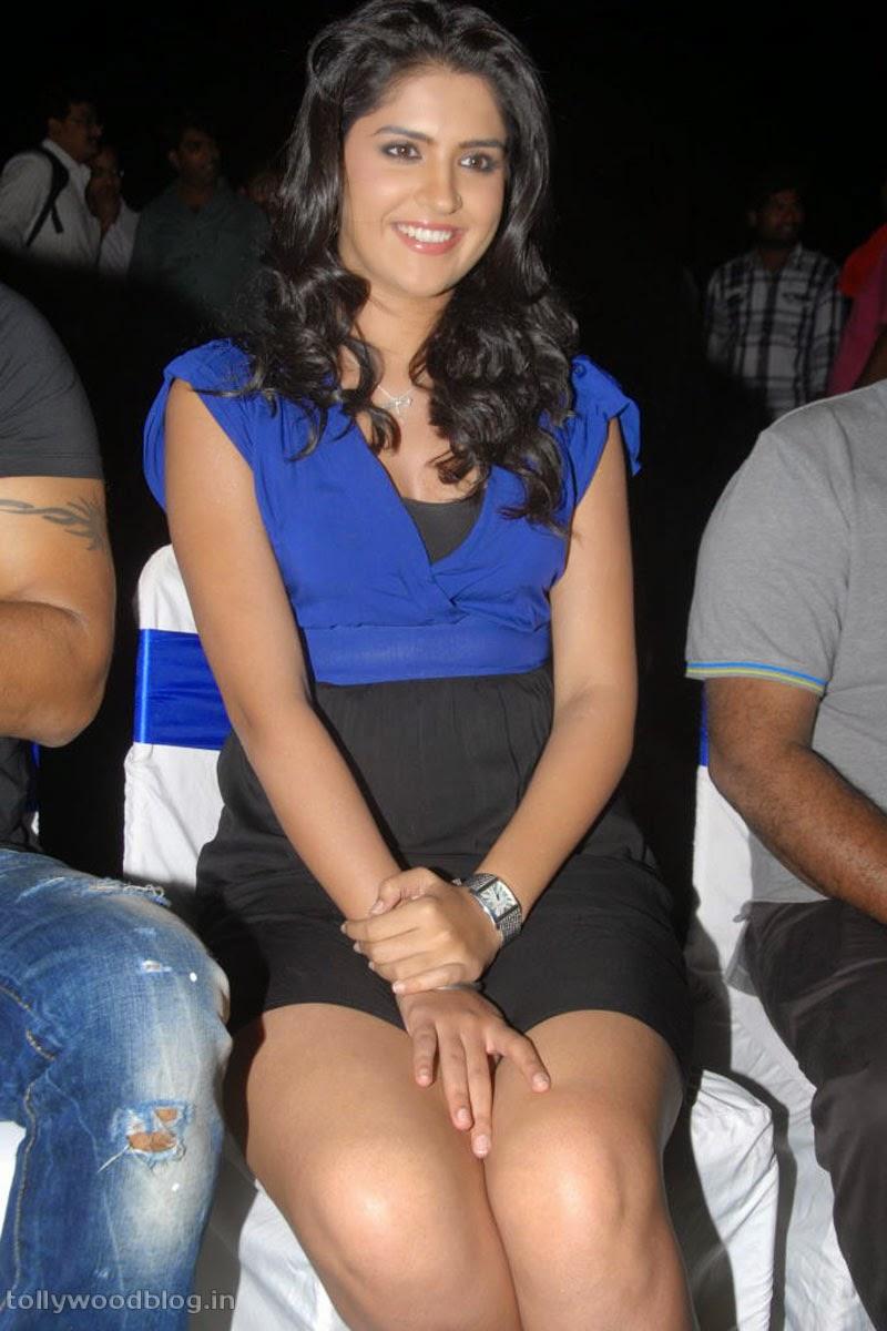Deeksha Seth Hot Thigh Show Photos - Popular Actress-4168