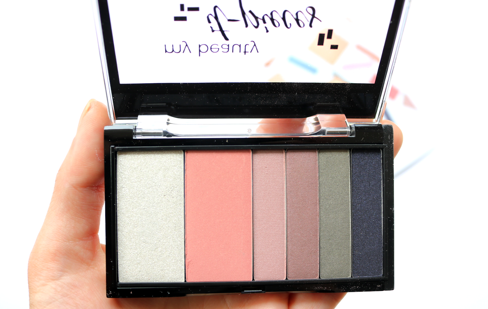 Benecos IT Pieces Refillable Makeup Palette in Pretty Cold