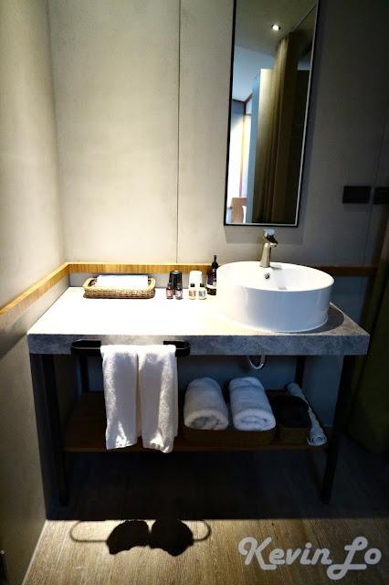 東旅湯宿溫泉飯店-風華漾館洗臉台的設計