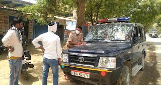 थानाध्यक्ष ने किया वाहनों की चेकिंग  | #NayaSaberaNetwork