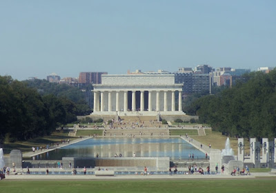 Looking down at Lincoln Memorial on the National Mall