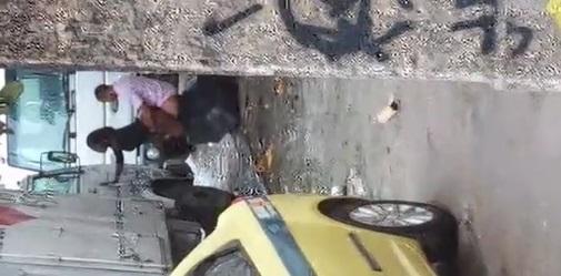 Taxista Fodendo a Puta Atrás Do Caminhão