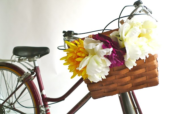 DECO : FLOWERS and BICYCLES...!