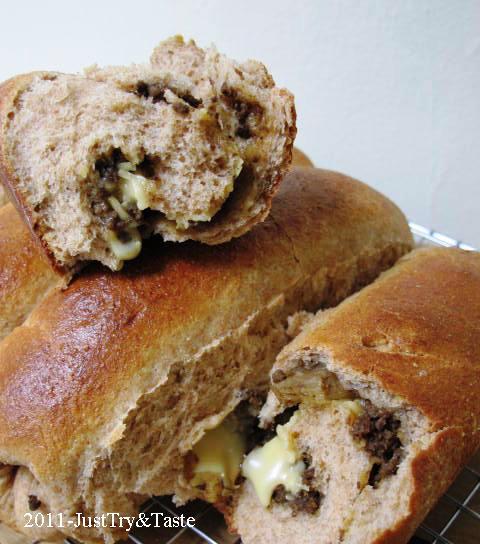Obsesi Roti 8: Roti Gandum Isi Daging Cincang dan Keju JTT