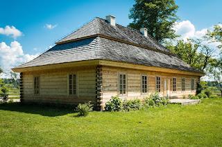 desain-rumah-kayu-klasik.jpg