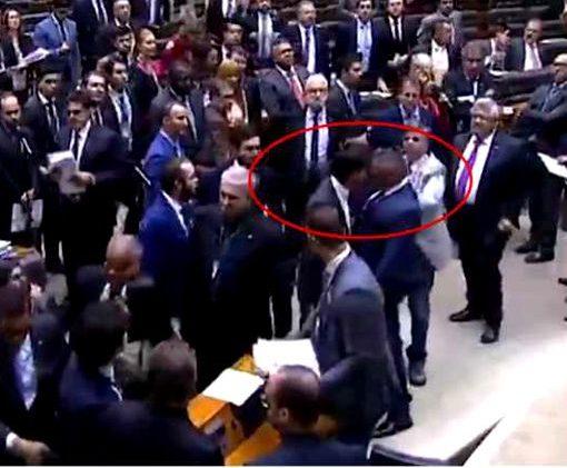 Deputado paraibano acusado de agredir ex-mulher diz que deu cabeçada em colega em defesa das mulheres