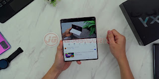 Tampilan Samsung Galaxy Z Fold 2